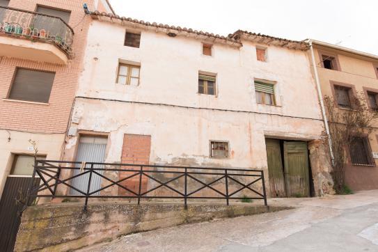 Casa en venta en Hormilla, La Rioja, Calle Cuatro Cantones, 23.362 €, 1 habitación, 1 baño, 168 m2