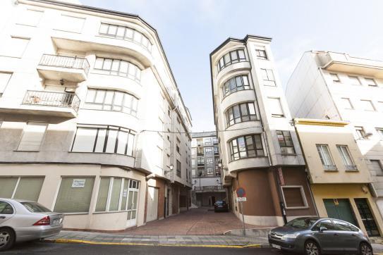 Local en venta en Boiro, A Coruña, Calle Dereitos Humanos, 20.824 €, 64 m2