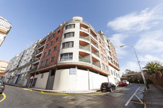 Local en venta en Sanxenxo, Pontevedra, Calle Alexandre Boveda, 320.000 €, 498 m2