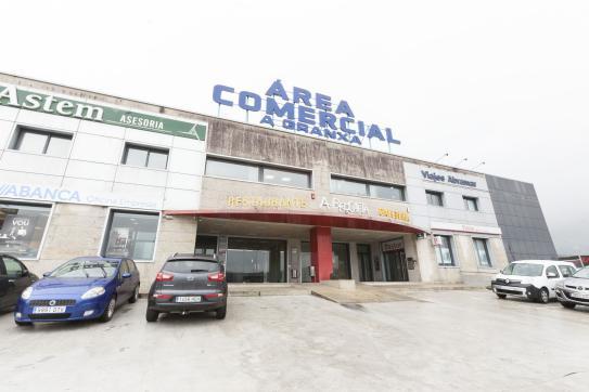 Local en venta en O Porriño, Pontevedra, Calle A Granxa, 260.000 €, 298 m2