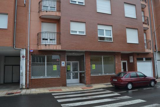 Local en venta en San Andrés del Rabanedo, San Andrés del Rabanedo, León, Calle Babieca, 65.700 €, 251 m2