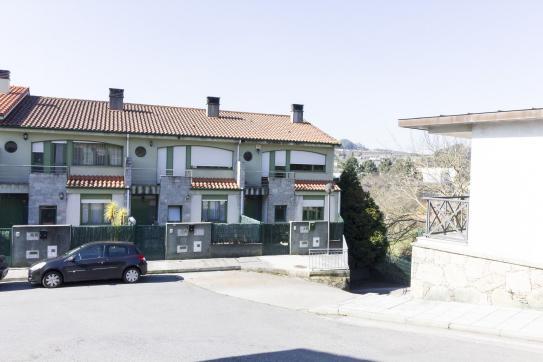 Casa en venta en Cambre, A Coruña, Urbanización Camino Real, 230.565 €, 4 habitaciones, 3 baños, 250 m2