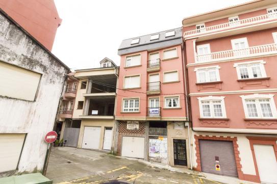 Piso en venta en Cee, A Coruña, Calle A Pena, 87.400 €, 4 habitaciones, 2 baños, 128 m2