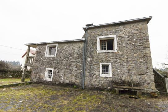 Casa en venta en Catoira, Pontevedra, Calle Centro Barral-catoira, 253.460 €, 4 habitaciones, 2 baños, 283 m2