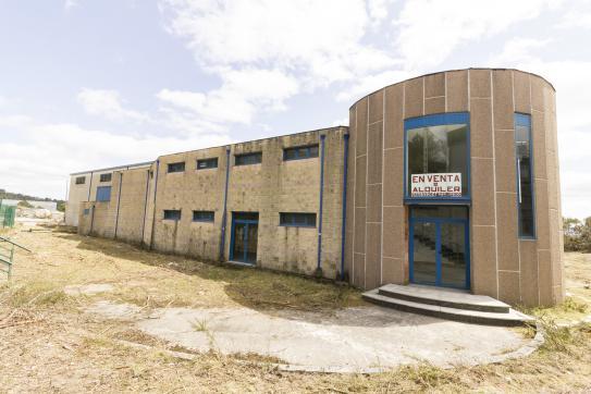 Industrial en venta en A Cañiza, Pontevedra, Calle Centro Uceira P.i. Ribadil Pg, 570.400 €, 2400 m2