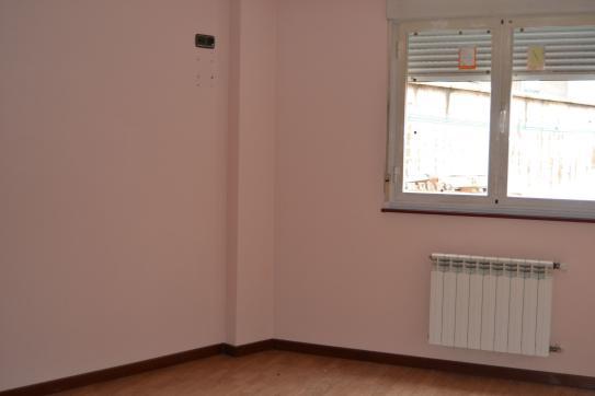 Piso en venta en Piso en Villaquilambre, León, 73.360 €, 2 habitaciones, 2 baños, 123 m2
