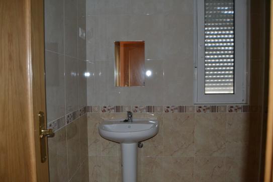 Piso en venta en Piso en Villaquilambre, León, 78.700 €, 3 habitaciones, 1 baño, 83 m2, Garaje