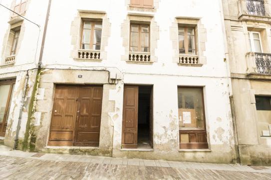Casa en venta en Mondoñedo, Lugo, Calle Progreso, 118.500 €, 8 habitaciones, 5 baños, 356 m2