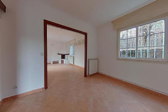 Casa en venta en Salceda de Caselas, Pontevedra, Calle Centro Casal, 110.400 €, 2 habitaciones, 3 baños, 258 m2