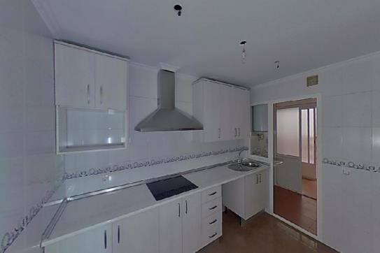 Piso en venta en Martos, Jaén, Calle la Alhambra, 107.000 €, 2 habitaciones, 1 baño, 78 m2