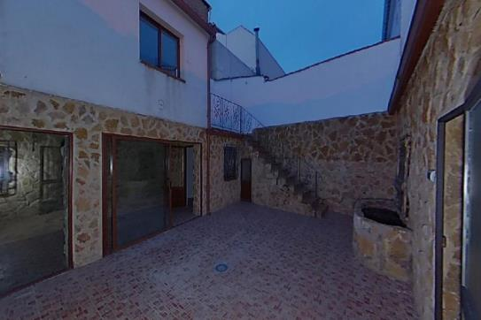 Casa en venta en Úbeda, Jaén, Calle San Ramon, 59.800 €, 2 habitaciones, 1 baño, 95 m2