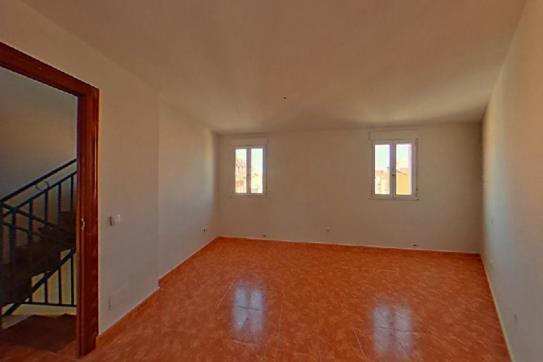 Casa en venta en Cigales, Valladolid, Avenida Torremormojon, 112.000 €, 1 baño, 267 m2