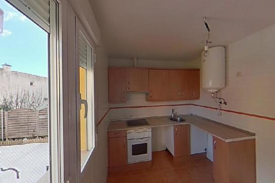 Piso en venta en Gargantilla del Lozoya Y Pinilla de Buitrago, Madrid, Calle Iglesia, 117.300 €, 3 habitaciones, 2 baños, 116 m2
