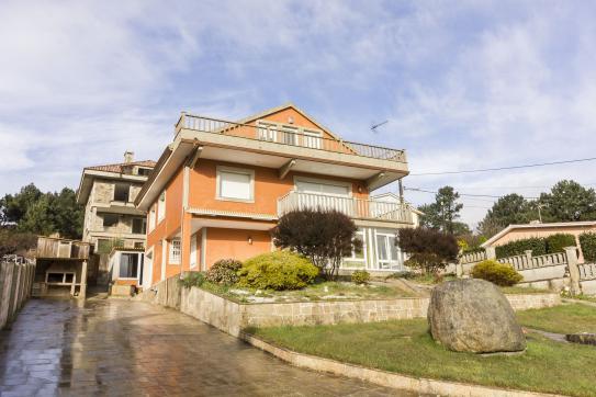 Casa en venta en Valdoviño, A Coruña, Calle Castro, 203.940 €, 5 habitaciones, 3 baños, 180 m2