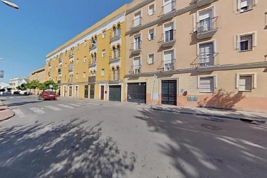 Piso en venta en Santiago, Jerez de la Frontera, Cádiz, Calle Armas de Santiago, 58.500 €, 1 habitación, 1 baño, 79 m2