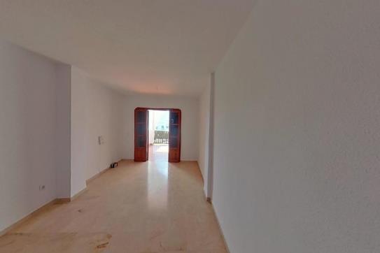 Piso en venta en El Pilar, Estepona, Málaga, Calle de Ojen, 168.000 €, 2 habitaciones, 2 baños, 108 m2