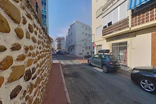 Piso en venta en Viviendas del Sol, Estepona, Málaga, Calle Delfin, 125.500 €, 3 habitaciones, 1 baño, 82 m2