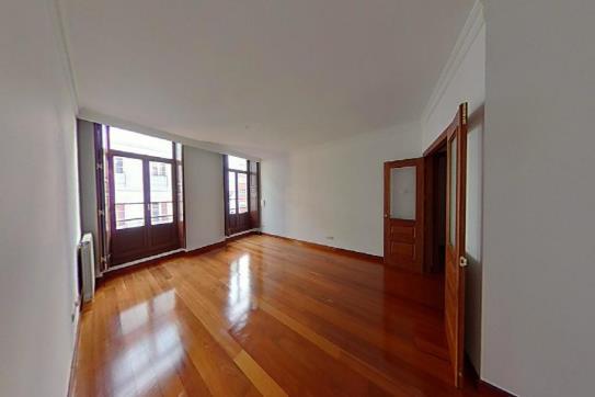 Piso en venta en Centro Y Casco Histórico, Oviedo, Asturias, Calle Jovellanos, 427.300 €, 3 habitaciones, 3 baños, 182 m2