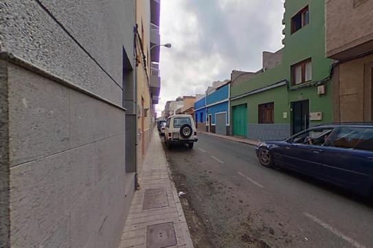 Piso en venta en Casa Pastores, Santa Lucía de Tirajana, Las Palmas, Calle Obispo Frias, 99.750 €, 3 habitaciones, 1 baño, 120 m2