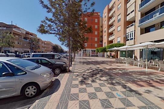 Piso en venta en Los Depósitos, Roquetas de Mar, Almería, Avenida Rey Juan Carlos I, 113.500 €, 1 baño, 110 m2