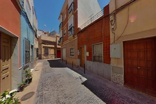 Casa en venta en Los Ángeles, Almería, Almería, Calle Serafin, 94.000 €, 3 habitaciones, 2 baños, 55 m2