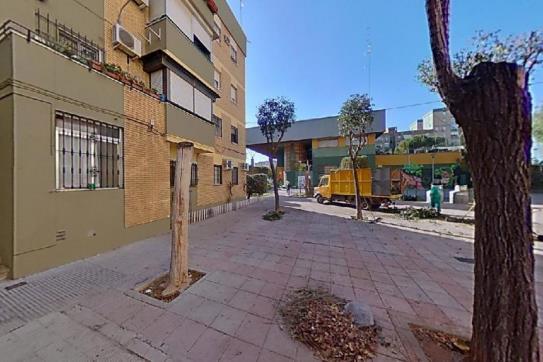 Piso en venta en Distrito Norte, Sevilla, Sevilla, Calle Tejedoras, 87.150 €, 3 habitaciones, 1 baño, 77 m2