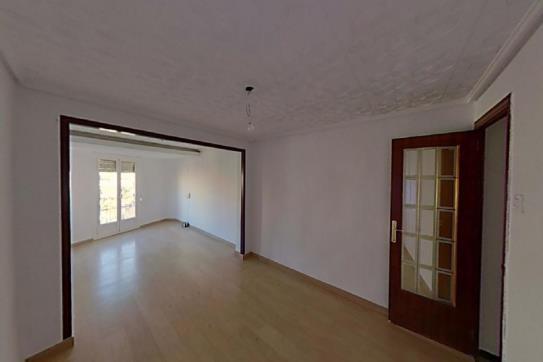 Piso en venta en Camí Dels Magros, Elche/elx, Alicante, Avenida Libertad, 61.500 €, 1 habitación, 1 baño, 96 m2