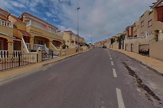 Piso en venta en Orihuela Costa, Orihuela, Alicante, Calle Almanzor, 79.200 €, 1 baño, 60 m2