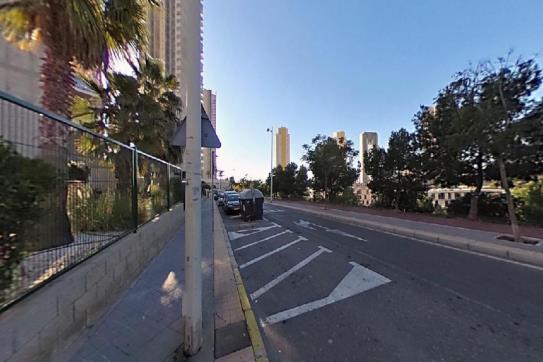 Piso en venta en Ponent - Poniente, Benidorm, Alicante, Calle Pdte.adolfo Suarez, 157.000 €, 2 habitaciones, 1 baño, 109 m2