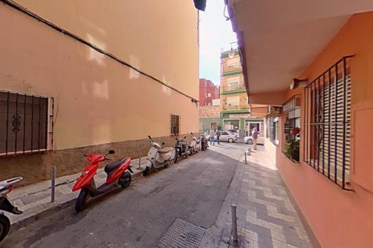 Piso en venta en Este, Málaga, Málaga, Calle Carlos Valverde, 133.400 €, 1 habitación, 1 baño, 78 m2