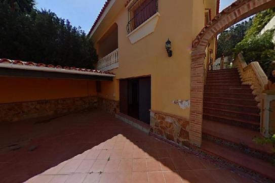 Casa en venta en Casa en Benalmádena, Málaga, 470.000 €, 1 baño, 222 m2