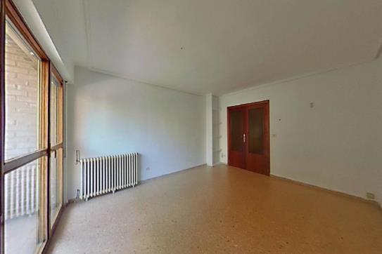 Piso en venta en Casco Viejo, Zaragoza, Zaragoza, Calle Postigo del Ebro, 105.300 €, 2 habitaciones, 1 baño, 73 m2