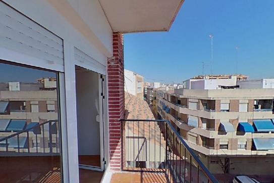 Piso en venta en Piso en San Vicente del Raspeig/sant Vicent del Raspeig, Alicante, 78.950 €, 3 habitaciones, 1 baño, 100 m2