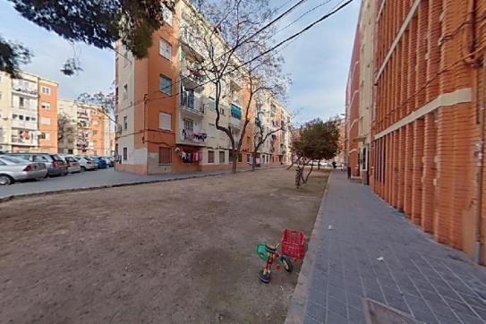 Piso en venta en L`olivereta, Valencia, Valencia, Plaza Colonia Española de Mejico, 50.400 €, 1 baño, 64 m2