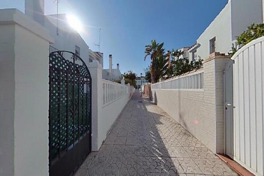 Casa en venta en Chiclana de la Frontera, Cádiz, Urbanización la Torres, 187.200 €, 4 habitaciones, 2 baños, 85 m2
