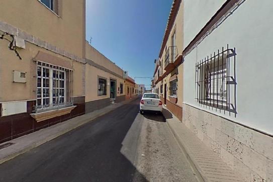 Casa en venta en Chiclana de la Frontera, Cádiz, Calle Naranja, 111.200 €, 4 habitaciones, 1 baño, 140 m2