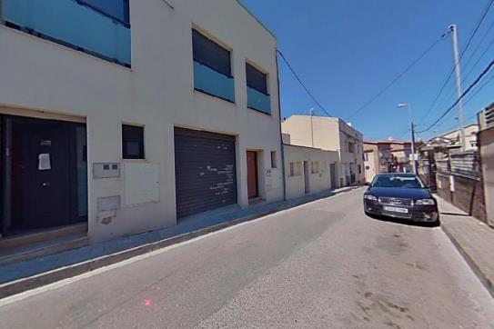 Casa en venta en Masia del Pau de L`hostal, Vilanova I la Geltrú, Barcelona, Calle Domenech I Montaner, 255.000 €, 4 habitaciones, 2 baños, 148 m2