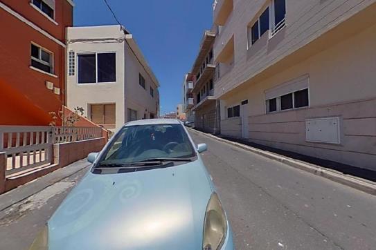 Piso en venta en Las Toscas Gordas, Granadilla de Abona, Santa Cruz de Tenerife, Calle Princesa Guacimara, 93.600 €, 2 habitaciones, 1 baño, 67 m2