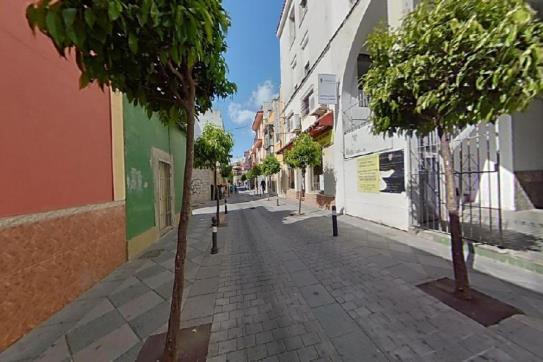 Piso en venta en San García, Algeciras, Cádiz, Calle Duque de Almodovar, 58.000 €, 3 habitaciones, 1 baño, 118 m2