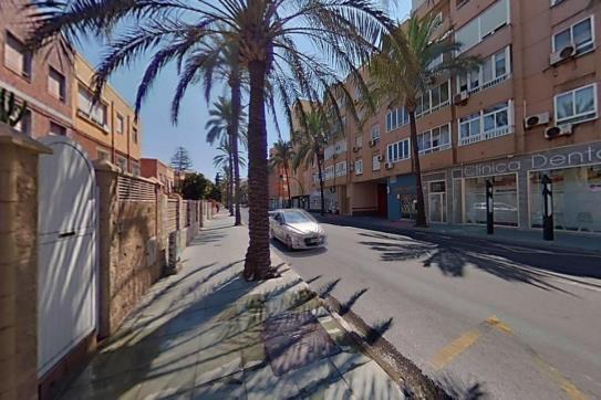Piso en venta en Almería, Almería, Avenida Cabo de Gata, 126.400 €, 3 habitaciones, 2 baños, 125 m2