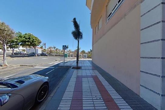 Piso en venta en Vecindario, Santa Lucía de Tirajana, Las Palmas, Calle Tiscamanita, 140.400 €, 4 habitaciones, 1 baño, 104 m2