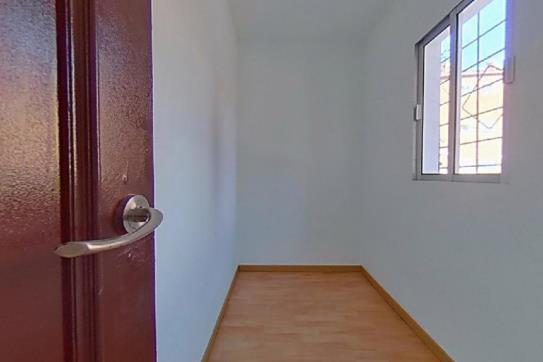 Piso en venta en Valladolid, Valladolid, Calle Embajadores, 21.100 €, 3 habitaciones, 1 baño, 45 m2