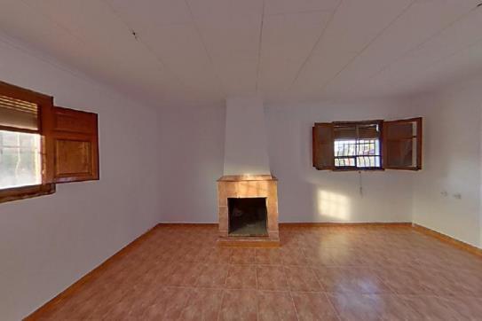 Casa en venta en Catadau, Llombai, Valencia, Lugar Partida Pasalvir Al Romeral, 82.800 €, 1 baño, 94 m2