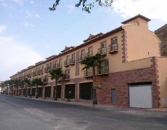 Piso en venta en Zurgena, Almería, Avenida 19 de Octubre, 86.000 €, 3 habitaciones, 2 baños, 104 m2