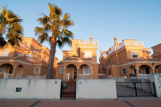 Casa en venta en Algorfa, Alicante, Avenida de la Estacion, 108.100 €, 3 habitaciones, 2 baños, 251 m2