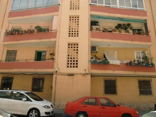 Piso en venta en Diputación, Alicante/alacant, Alicante, Calle Abad Fernandez Helguera, 15.000 €, 3 habitaciones, 1 baño, 66 m2