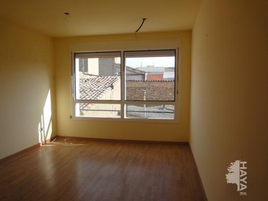 Piso en venta en Sariñena, Huesca, Calle Larrosa, 39.799 €, 2 habitaciones, 1 baño, 64 m2