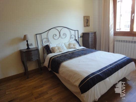 Piso en venta en Piso en Jaca, Huesca, 130.000 €, 2 habitaciones, 1 baño, 69 m2