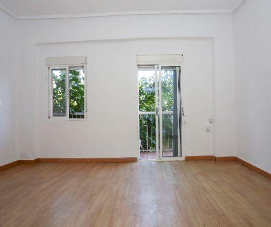 Piso en alquiler en Valencia, Valencia, Calle Cavite, 580 €, 4 habitaciones, 90 m2