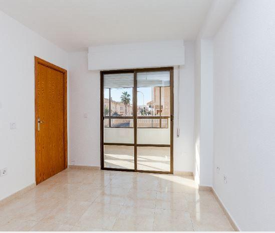 Piso en alquiler en Torrevieja, Alicante, Calle Comunidad de Madrid, 400 €, 2 habitaciones, 1 baño, 36 m2